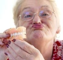 Dental Implant Specialists in Chicago Discuss the Shocking Truths about Removable Dentures, PART 1