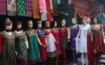 Pretty ladies in salwar kameez