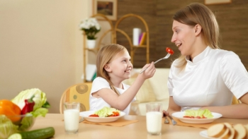 Targeting Adolescent Health Concerns with Nutritional Therapies Promoting Weight Loss