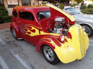 An Unforgettable Experience of Amazing Hot Rods, and Impressive Art Work