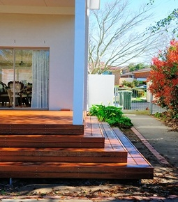 Find The Best Timber Deck Builders in Canberra