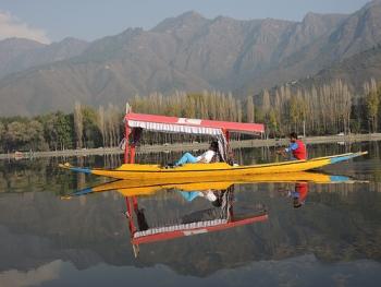 Kashmir Shikara