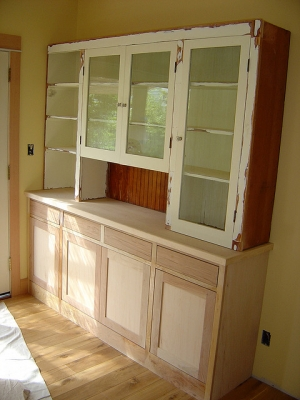 Kitchen cabinet...