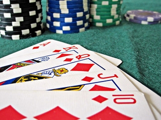 Most common Blackjack cheats and how to spot them to minimize losses