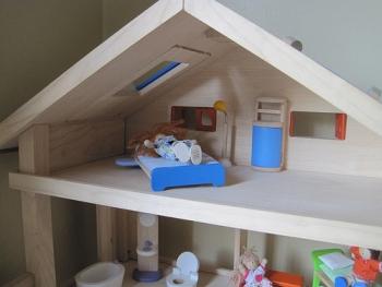 Plan Toys Doll House