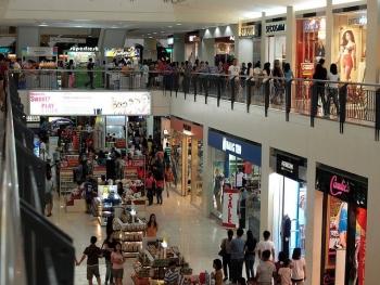 Shopping in Market! Market!