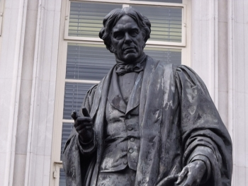 Statue of Michael Faraday