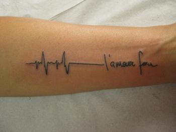 Tattoo ECG tatuagem L